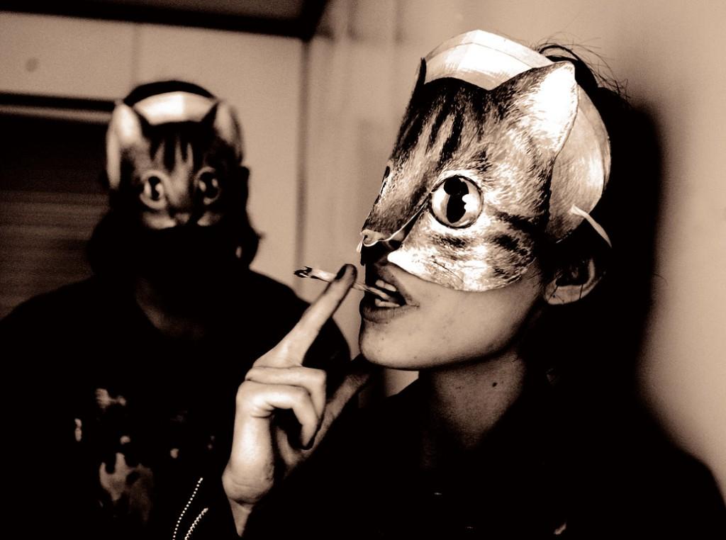 Crystal Castles Album 2012