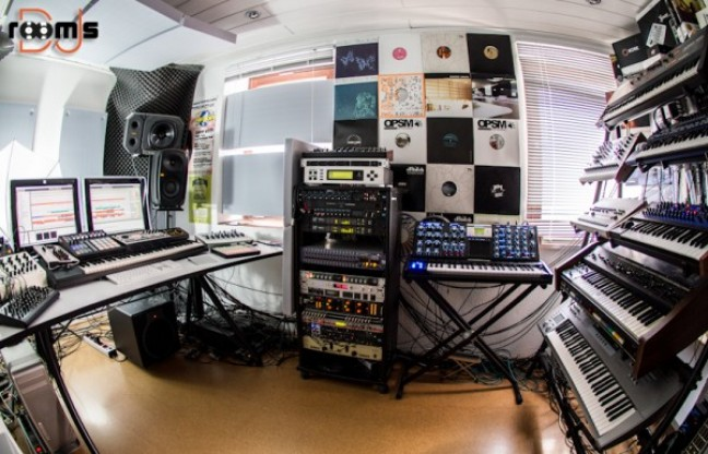 DJ rooms in 2021   Dj room, Dj, Vinyl