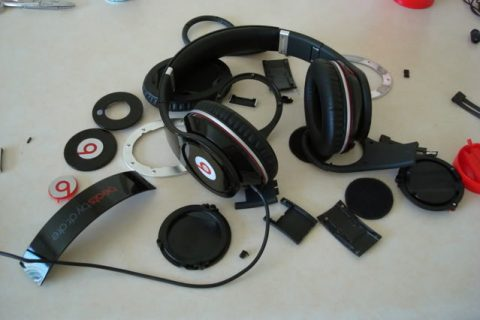 Guess How Much 'Beats By Dre' Headphones Are Estimated To Cost?
