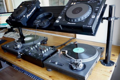 Building A Dj Stand For Your Decks Ikea Hackers Has Your Back