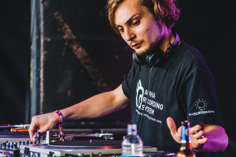 It's been a consistently solid year for essential mixes with the BBCs long-standing series toting some mega talent in the way of RUFUS DU SOL, ...